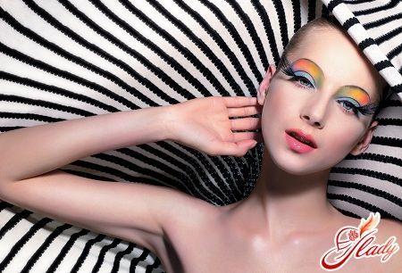 Як навчитися робити макіяж правильно?
