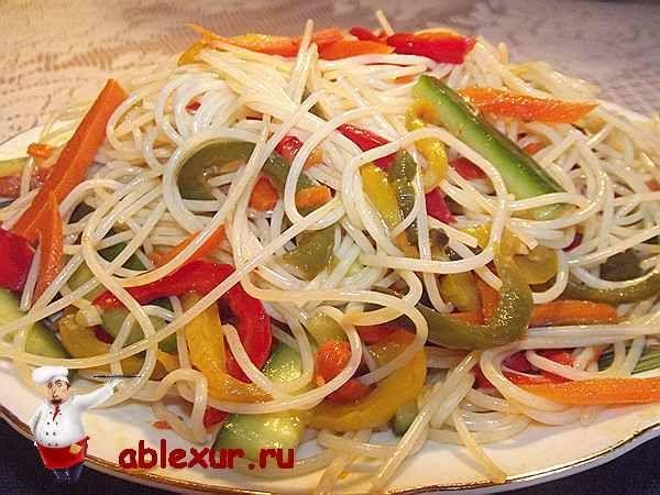 Салат з фунчози з овочами